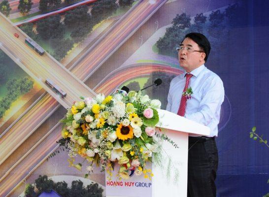 Ông Lê Khắc Nam - Phó Chủ tịch UBND thành phố phát biểu tại buổi lễ
